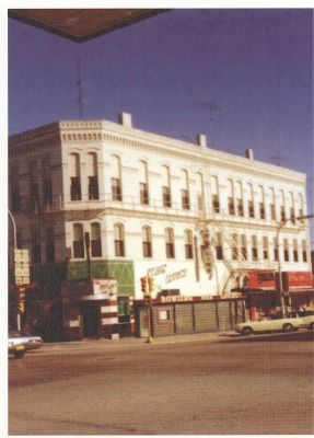 Hotel Clair and Clair Lounge as it appeared in the 1960s or early 1970s. The building had undergone cosmetic changes, including the addition of a large and distinctive sign shaped like a bowling pin that protruded from the Broad Street side of the building.