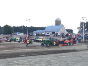 Tractor & Truck Pull @ Grandstands