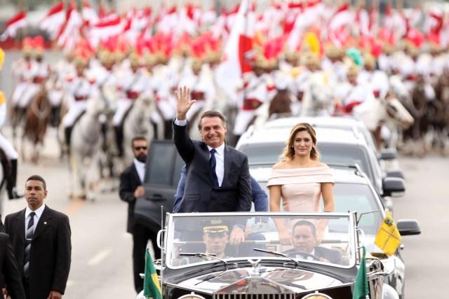 Bolsonaro foi empossado presidente e já assinou 1º decreto