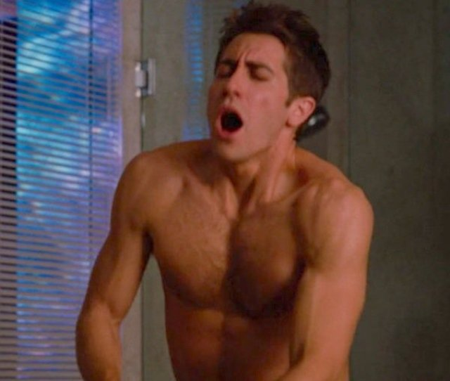 Jake Gyllenhaal Shirtless Love And Other Drugs