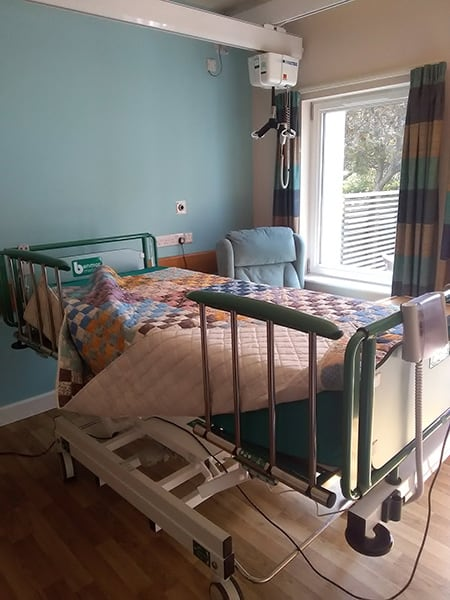 Benmor Medical Aurum+ bariatric bed at the Oakhaven Hospice image
