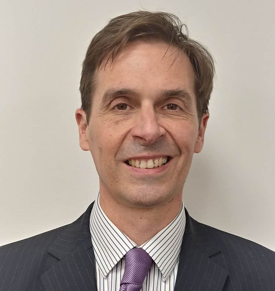 Dr Simon Festing image