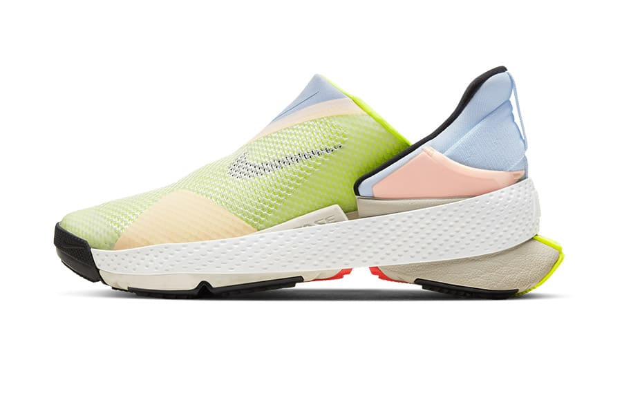 Nike GO FlyEase trainers image