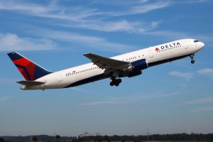 Delta Airlines Helps High School Runners - Attorney Carlos Gamino