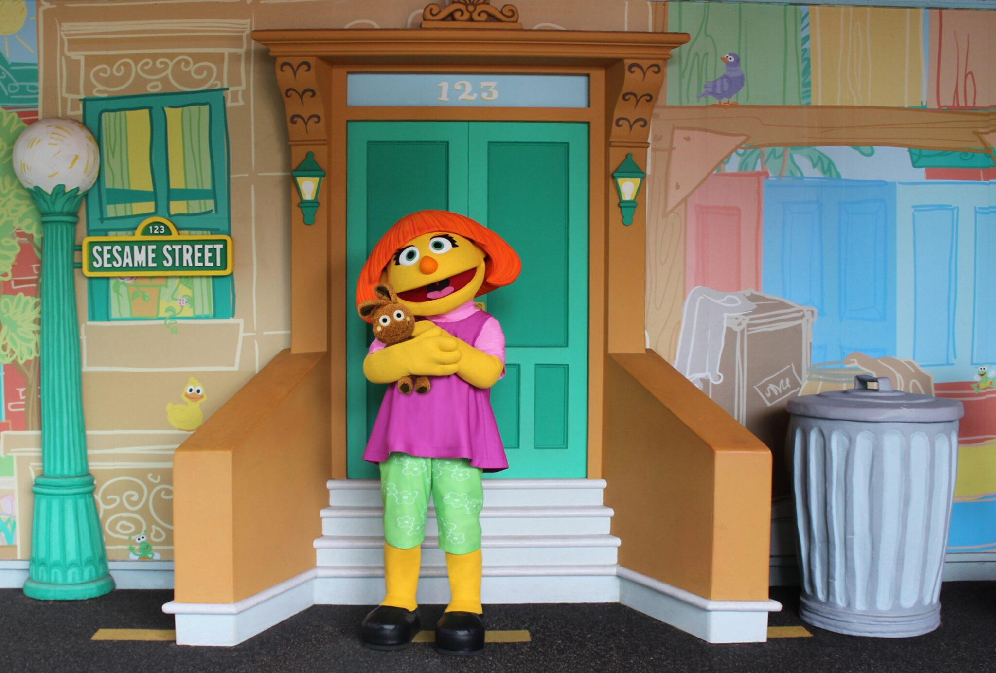 Sesame Street's Julia debuts at SeaWorld Orlando for Autism Acceptance Month