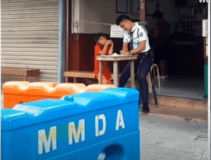 Security Guard Spends Time Teaching Street Children to Read and Write