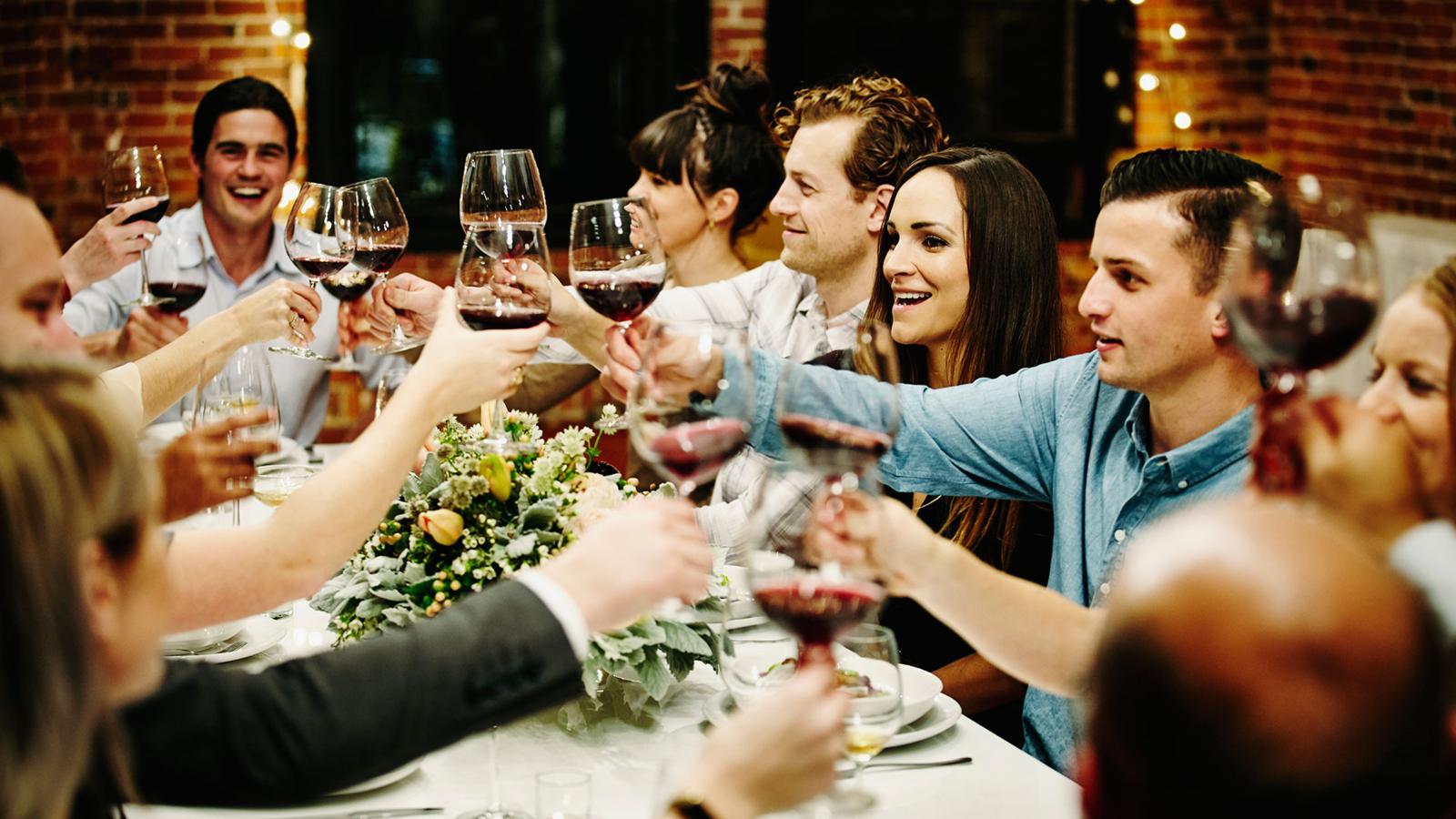 Картинки ужин с друзьями