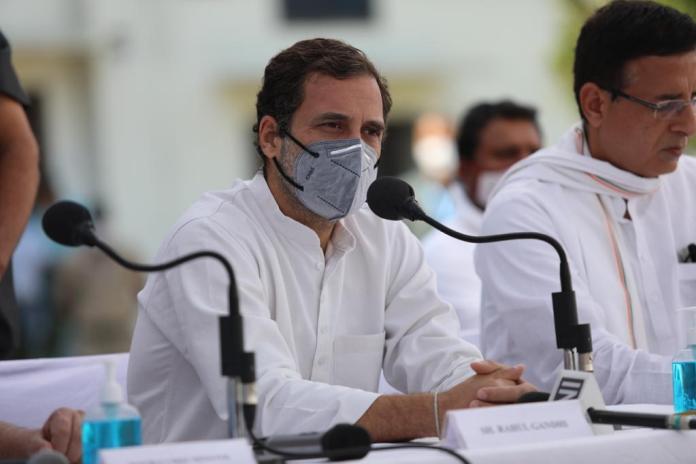 केंद्र वही कर रहा है जो ईस्ट इंडिया कंपनी ने किया था: राहुल गांधी
