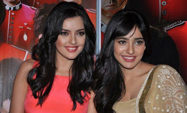 Neha-Sharma-with-her-sister