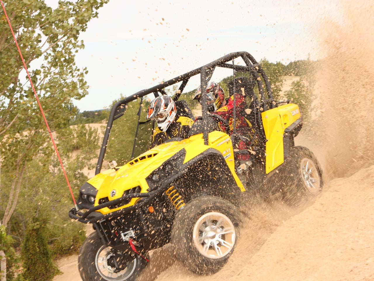 hight resolution of 2011 can am commander black left riding on