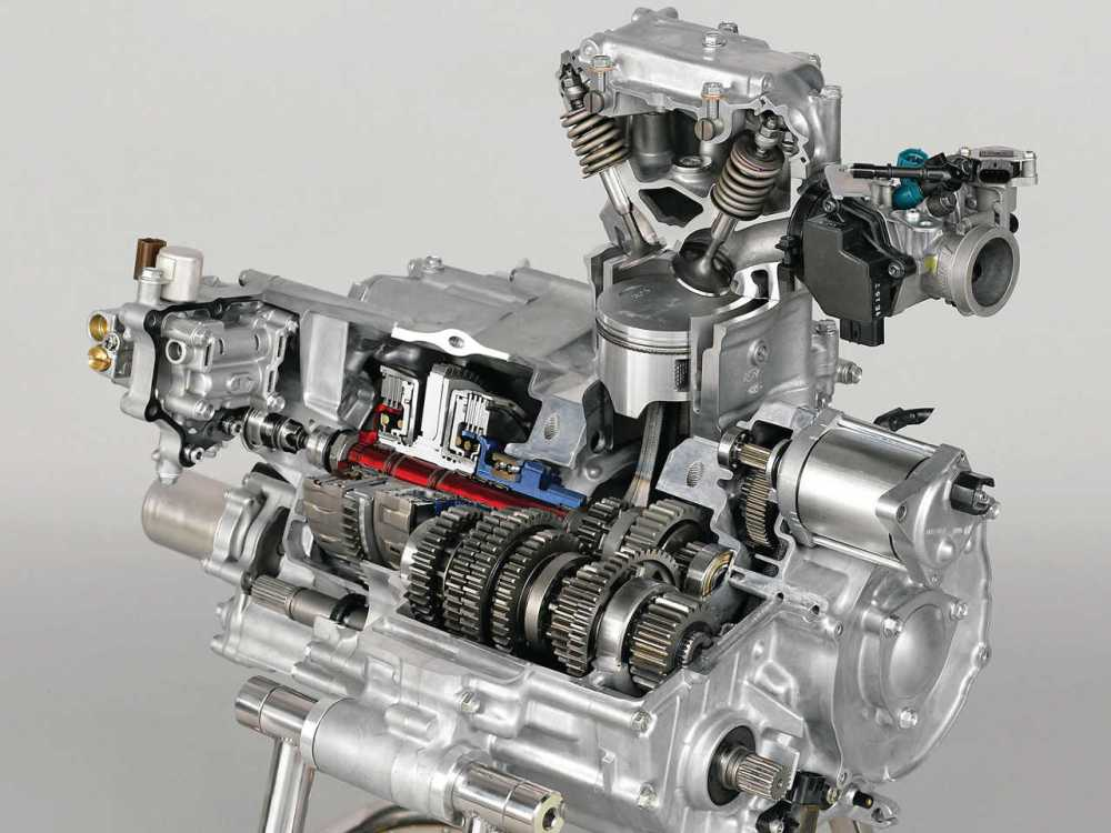 medium resolution of 2015 honda fourtrax foreman rancher close up engine
