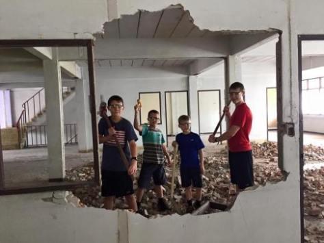 1-smash-wall