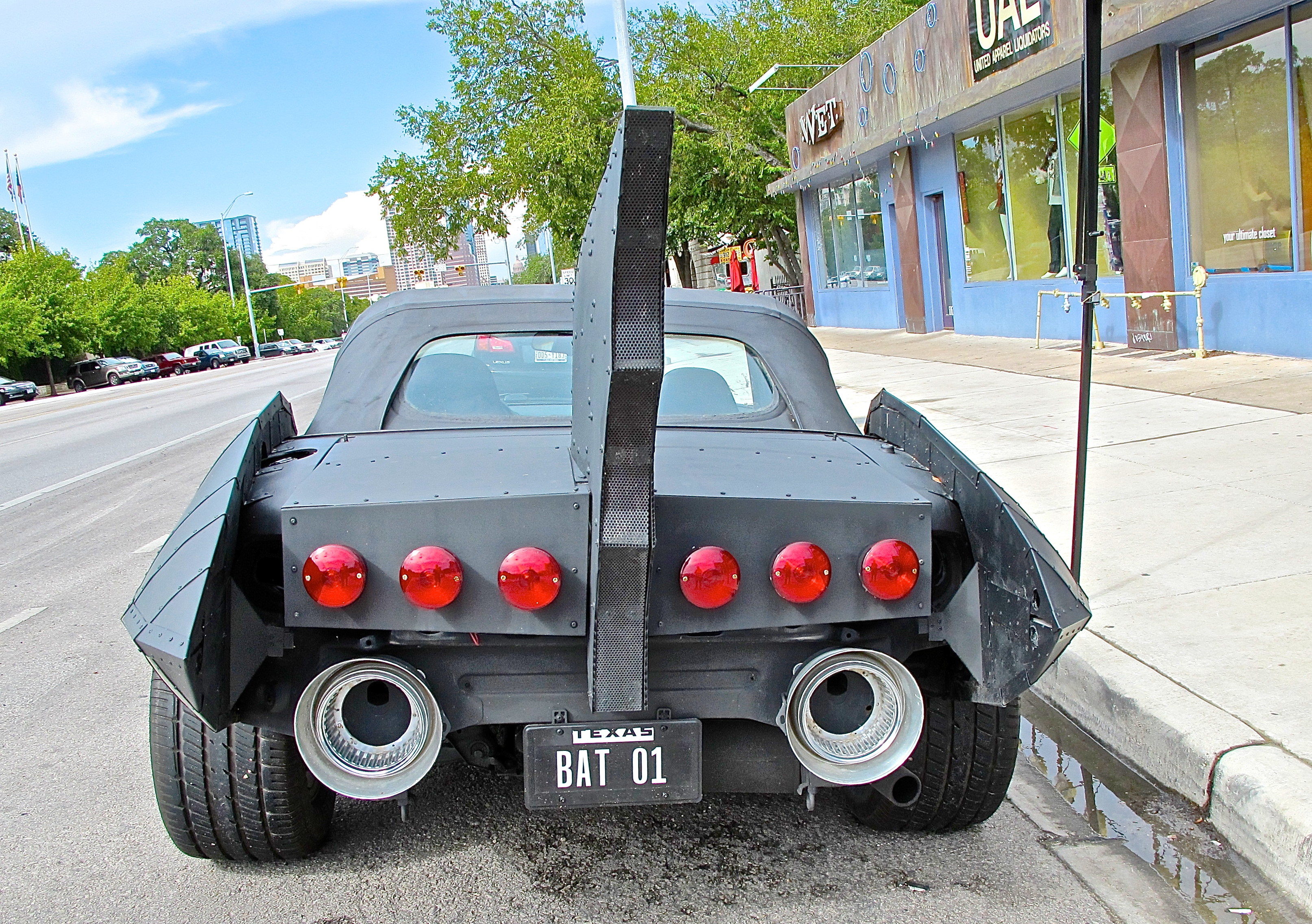Halloween Special: Bat Car on S. Congress Ave | ATX Car Pictures ...