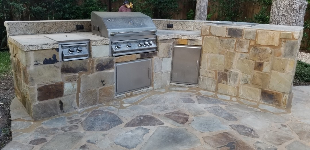 Outdoor Stone Kitchen in Central Austin,Texas