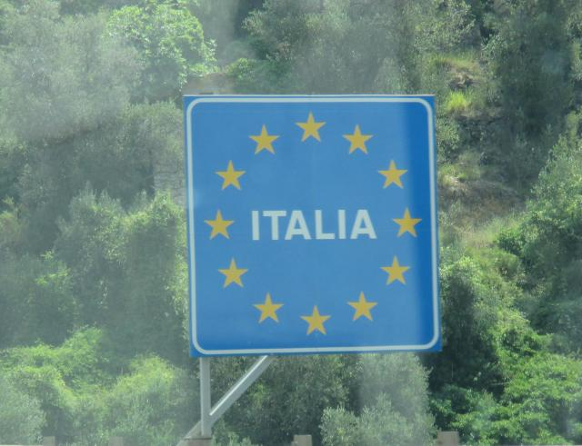 Theoule. En Route to Italy. Italia sign.