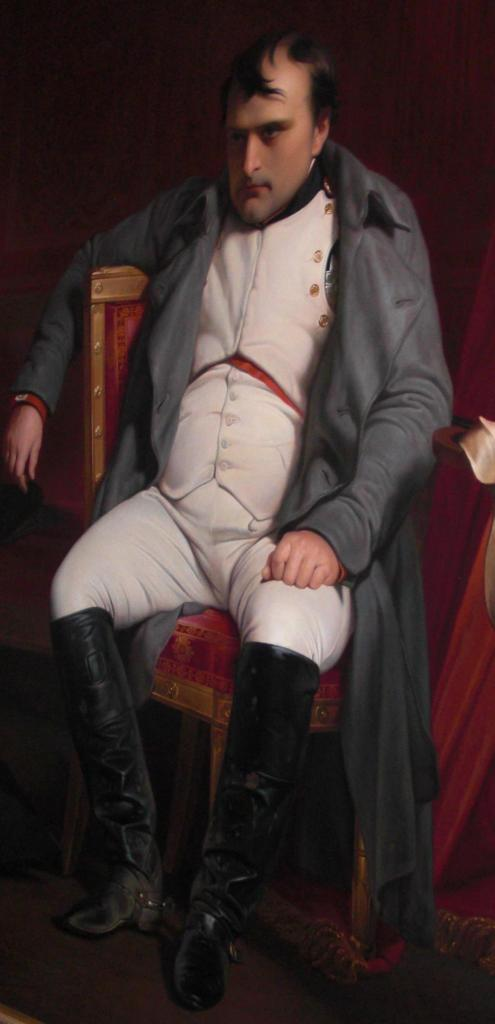 Invalides. My man Bonaparte. The boots. The coat. The look. He looks just like the miserable models in today's fashion magazines!