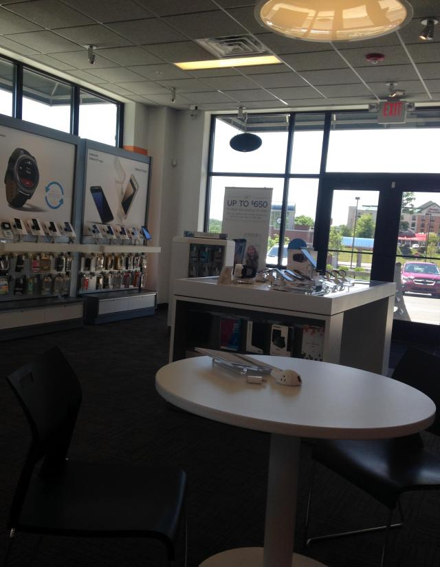 ATT store. All is quiet