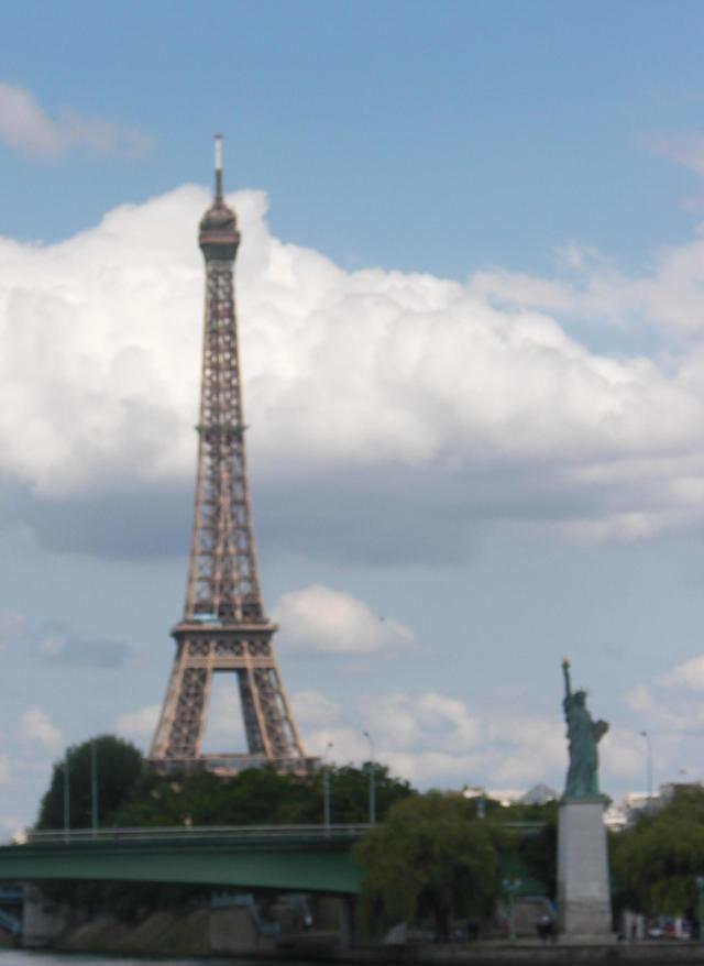 Tour Eiffel and Liberty