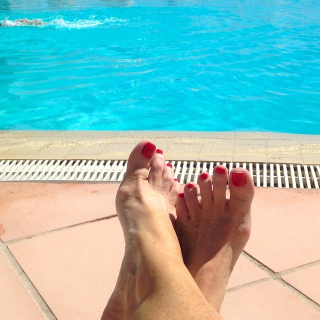 Theoule. Pool My lazy ass feet at the pool