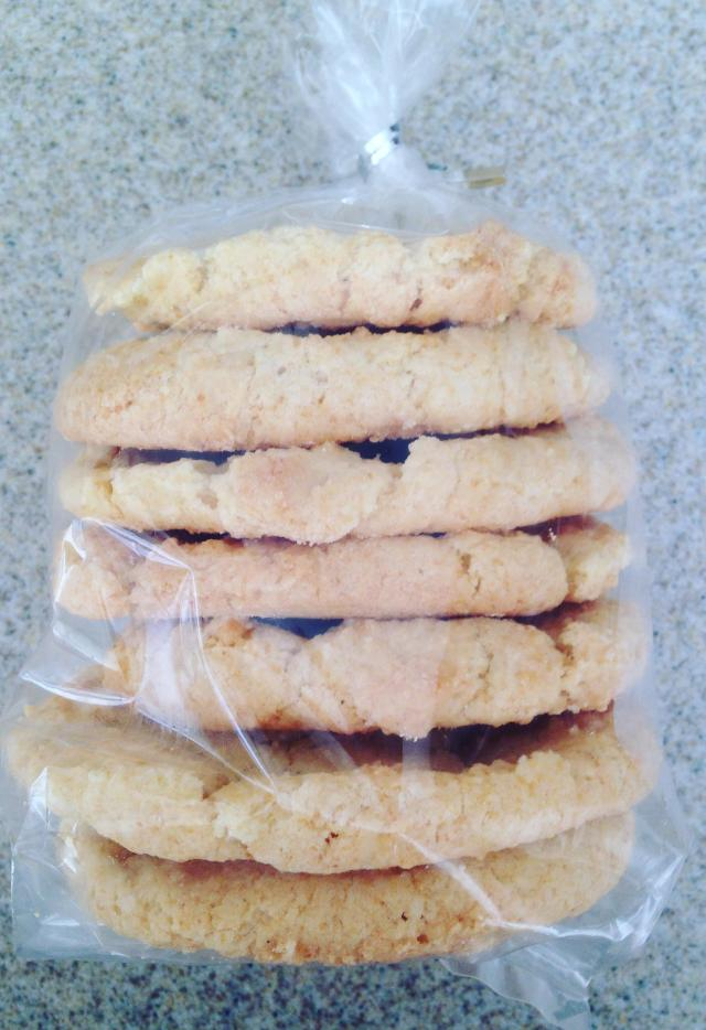 I managed to bake cookies. Corn cookies for Roman to take home.