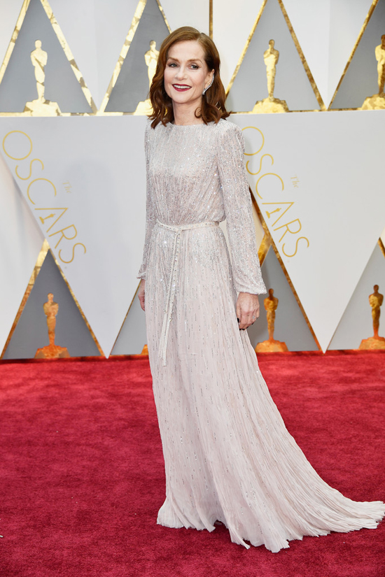 isabelle-huppert-oscars-2017-red-carpet-fashion-armani-prive-tom-lorenzo-site-4-copy
