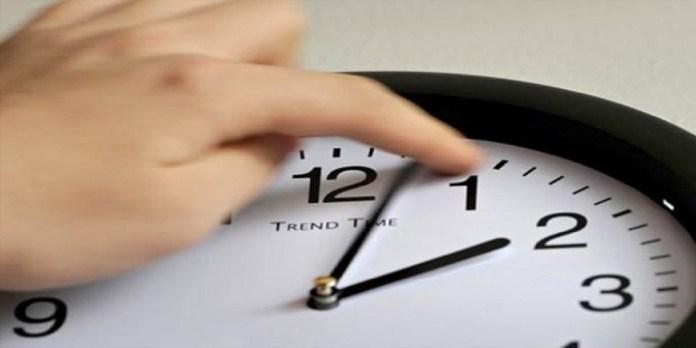 Maroc: appels à annuler l'horaire GMT+1