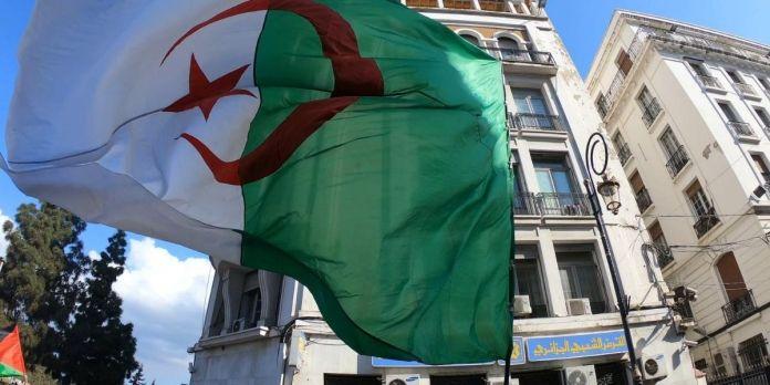Des Algériens de la diaspora manifestent à Genève contre les dirigeants de leur pays