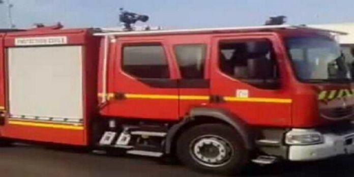 Un taxi prend feu à Tantan
