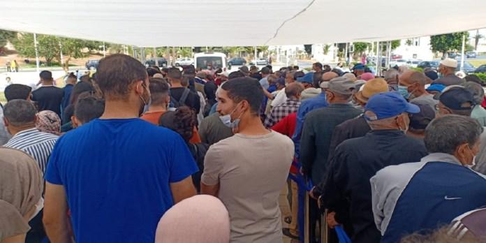 Salé: longue file d'attente au vaccinodrome de Bab Lamrissa (PHOTOS)