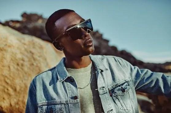 quay, black, sunglasses