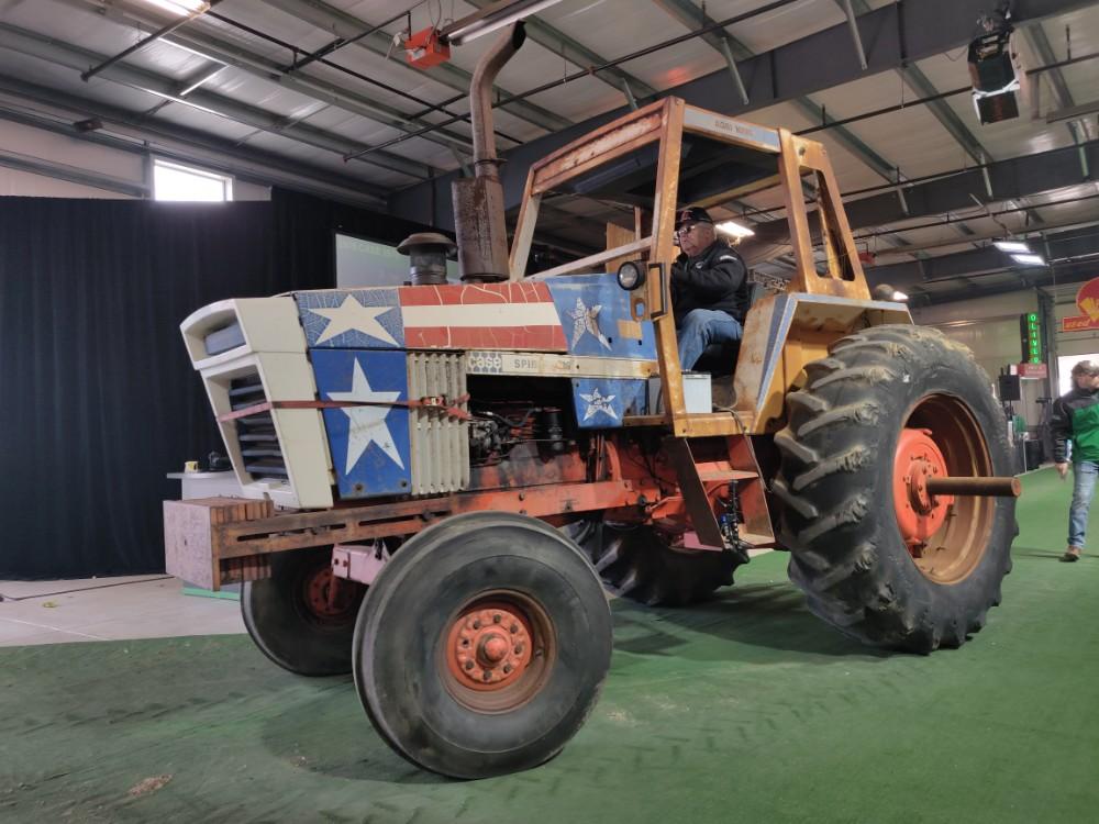 1976 Case 1570 - Mecum Gone Farmin' Fall Premier 2019