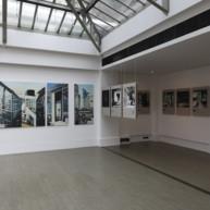 exposition-secrets-defense-peintures-de-michelle-auboiron-kiron-galerie-paris-2009-10 thumbnail