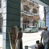 michelle-auboiron-peintre-en-action-a-la-havane-4 thumbnail