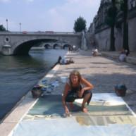 Michelle-Auboiron-peint-in-situ-les-Ponts-de-Paris-Photo-Anne-Sarter-24 thumbnail