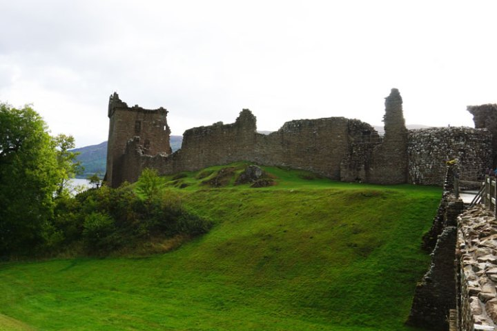 loch-ness-Ecosse-chateau-urquhart-ruines