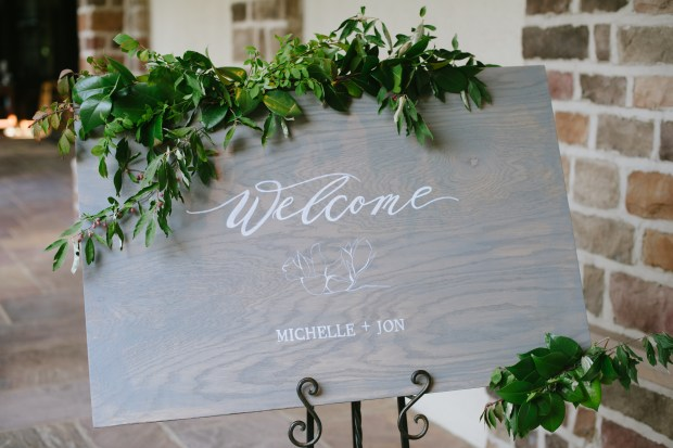 Elegant wedding signage at Pinnacle Golf Club
