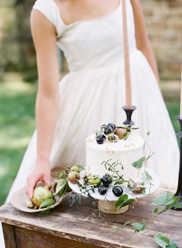 Le Gateau in Columbus Ohio, Fruit wedding cake, auburn + ivory
