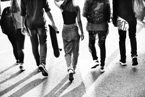 black and white photo, rawpizels, teenagers, students