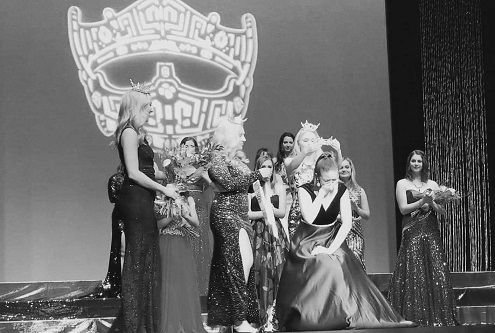 Miss Auburn's Outstanding Teen, Miss Auburn and Miss Auburn's Outstanding Teen Scholarship Program, Pageant crowning, Austin Douglas, City of Auburn