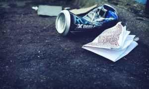 litter, trash, trash in road