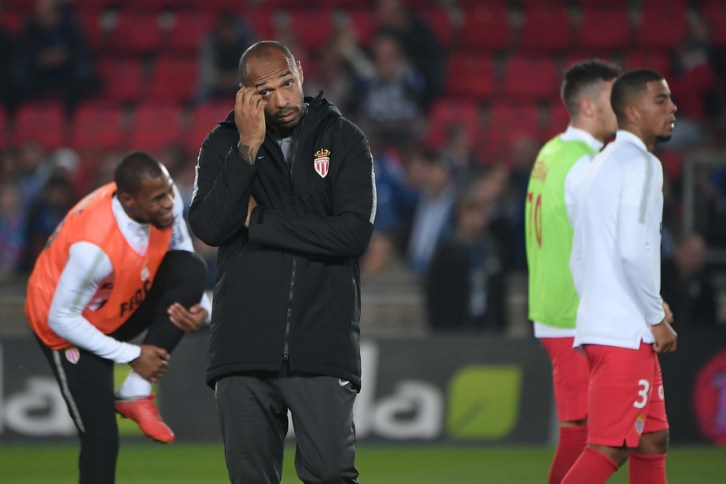Monaco : Thierry Henry a été suspendu de ses fonctions d'entraîneur seulement 3 mois après sa prise de fonction