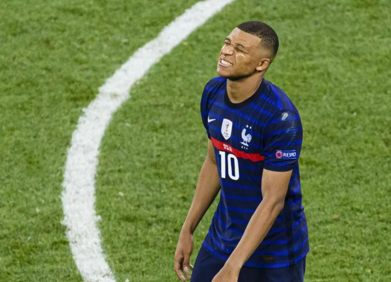 Eliminée par la Suisse à l'issue de la séance des tirs au but, l'Equipe de France est passée à côté de son Euro.