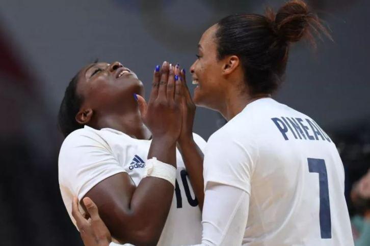 Les handballeuses françaises ont décroché l'or olympique après avoir dominé la Russie en finale