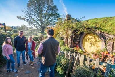 Guided Tour inside the Hobbiton