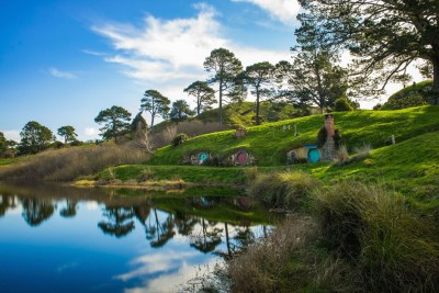 Hobbiton lakeside Holes