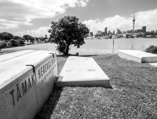 Memorial & Skyline - Black & White