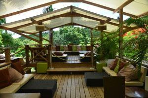 Loterie Farm tree lounge