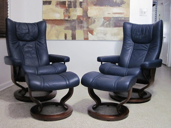 stressless chair sale office qatar living buy this used ekornes recliner leather modern wing pair paloma oxford blue for ...