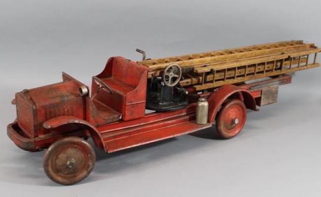 Antique 1925 Kelmet Pressed Steel White Firetruck Ladder
