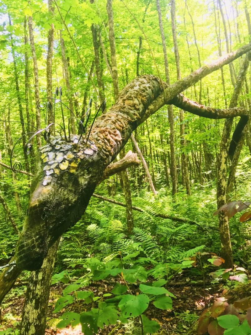 Sculpture serpent